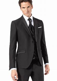 costume mari 233 noir et chemise blanche