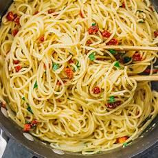 Spaghetti Aglio E Olio - one pot spaghetti aglio e olio savory tooth