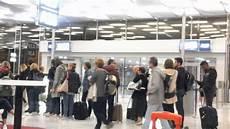 acces aeroport orly orly sud porte 29 embarquement pour la r 233 union 25