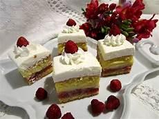 torta pan di spagna crema pasticcera e panna trancetti con crema pasticcera gelatina di fragole e panna la ricetta blog