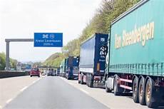 Stau A1 Köln - a1 vollsperrung wegen br 252 ckenabriss koeln de