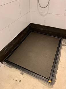 bodengleiche dusche geringe aufbauhöhe baqua duschsystem planen installieren baqua