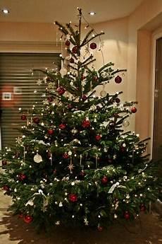 weihnachtsbaum rot silber geschmückt weihnachtsbaum page 4 mein sch 246 ner garten forum