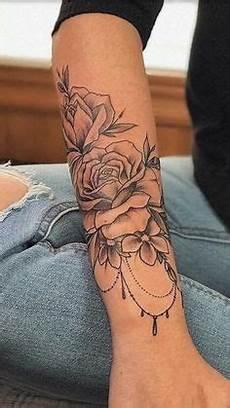 unterarm tattoos frauen unterarm frau blumen schwarz wei 223 tattoos und