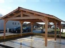 abri en bois pour voiture abri voiture bois douglas pour 2 voitures en pentes
