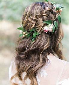 click to uncover the wedding hairstyle for your face shape and wedding gown