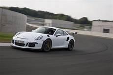 porsche 911 gt3 rs 2016 porsche 911 gt3 rs drive review motor trend