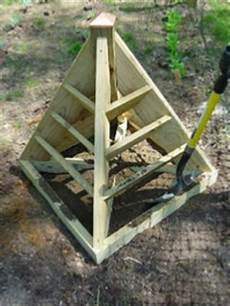 how to fill your strawberry pyramid planter with dirt