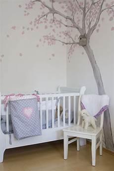 kinderzimmer deko wand 儿童房树木手绘墙画图案 土巴兔装修效果图