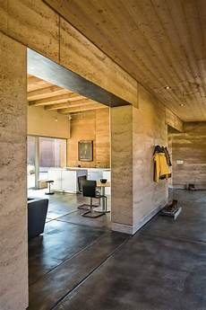 home on earth int 233 riorise pis 233 architecture in 2019 rammed earth homes rammed earth rammed earth wall
