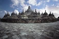 Sejarah Candi Borobudur Beserta Strukturnya Gambar Lengkap