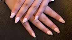 schlicht aber total angesagt n 228 gel in mandelform - Nails Muster Schlicht