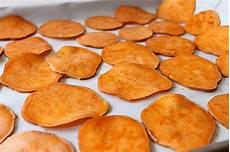 Kartoffelchips Selber Machen - seasoned sweet potato chips simple comfort food