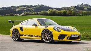 2019 Porsche 911 GT3 RS Weissach Package Color Racing