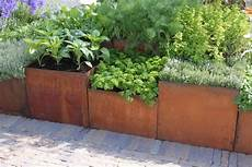 vasi per terrazzi in resina images of iron planters and pots crinklecrankle