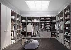 luxus begehbarer kleiderschrank begehbare kleiderschr 228 nke ein st 252 ckchen luxus im alltag