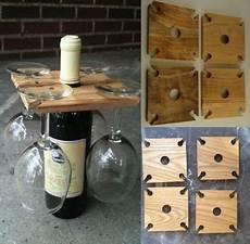ideen aus holz selber machen aus quadratischem holzbrett st 228 nder f 252 r gl 228 ser und flasche