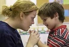 10 jenis terapi untuk anak autis fahmee76