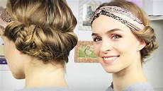 haare haarband frisur mit seitlichem dutt tuchhaarband
