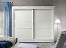 armadietto ante scorrevoli armadio artigianale a due ante scorrevoli in legno