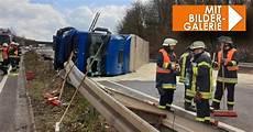 Unfall Auf A8 Bei Friedrichsthal Stau Und Sperrungen Nach