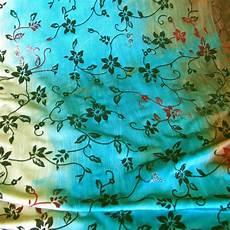 Stoff Mit Ausgefallenem Blumenmuster - ausgefallene stoffe modestoffe spitzen slinky glitter