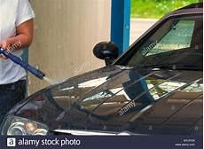 auto sauber machen tankstelle deutschland stock photos tankstelle