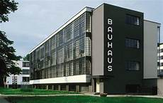 the bauhaus school by walter gropius from 1924