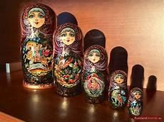 russische puppen ineinander matryoshka the russian nesting doll russlandjournal de