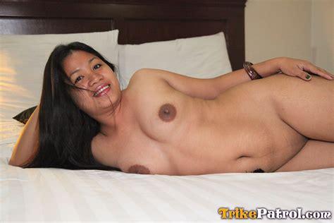 Filipina Hotel Maid