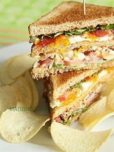recette brunch salé 29 recettes pour un brunch sal 233 club sandwich poulet