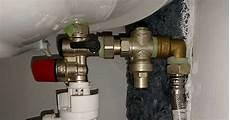 regulateur de pression chauffe eau r 233 ducteur de pression pour chauffe eau