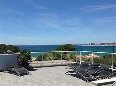 location vacances vue mer magnifique t3 toit terrasse entre bandol et sanary vue