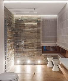 badezimmer ideen günstig ebenerdige dusche badezimmer natursteinfliesen wand