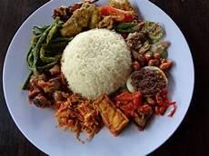 Inilah 7 Rekomendasi Nasi Jinggo Enak Di Bali