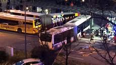 23 Verletzte Und Ein Toter Nach Schwerem Unfall In Wiesbaden