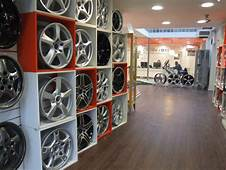 Image Galleries  Design911 Centre For Porsche Showroom