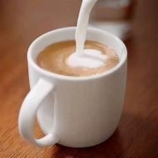 kaffee mit milch kaffee trinken rund um die welt oder wie das