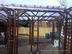 que mettre sur le toit d une pergola pergola toit forum de discussions sur le jardinage en