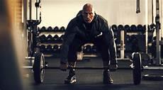 dwayne johnson gewicht dwayne johnson s building legs and calves workout