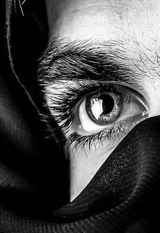 tableau visage noir et blanc sans titre photo yeux dessin photographie noir et