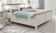 Schlafzimmer Bett 200x200 by Bett 200x200 Hohes Fu 223 Teil Kiefer Massiv Chagner