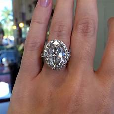 oval diamond wedding ring 18k white gold 9 05ct oval diamond halo engagement ring