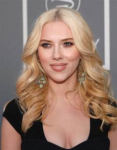 scarlett johansson best hair wavy haircut