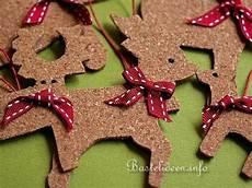 Basteln Mit Korkplatten - weihnachtsbasteln mit korkplatten elch und rentier als