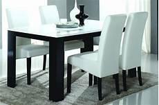 Table A Manger Noir Et Blanc Table De Salle A
