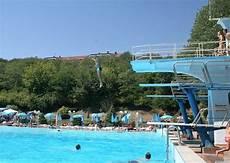 piscina il gabbiano acqui terme al la piscina termale presso le antiche