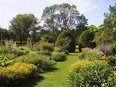 file coolidge place andover massachusetts flower garden jpg wikipedia