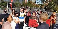 white abortion activists scream at black pro student white abortion activists scream at black pro student