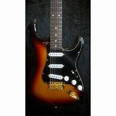 fender stratocaster gold hardware fender japan fsr classic 60 s stratocaster gold hardware three tone sunburst